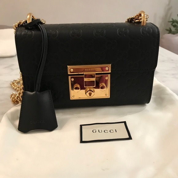 Gucci Handbags - Padlock small Gucci Signature shoulder bag 2be69fb682fe5